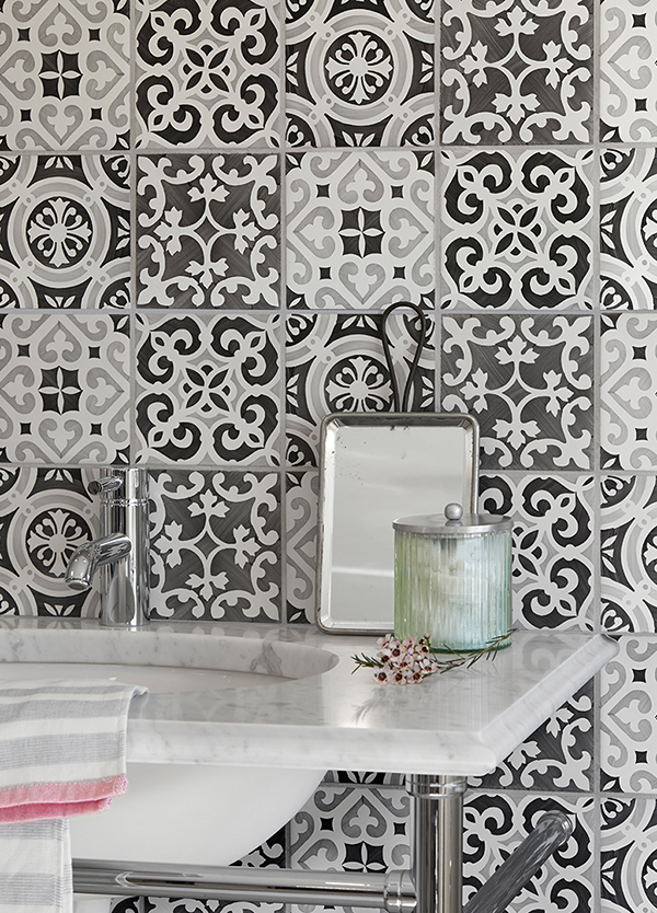 Create powerful patterns with hand painted ceramic tiles | Artisans ...